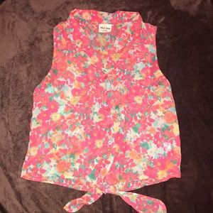 Floral button down sleeveless blouse with tie